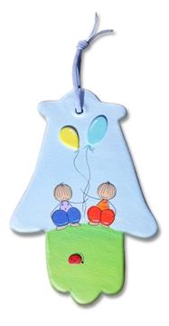 תמונה של זוג ילדים - בלונים