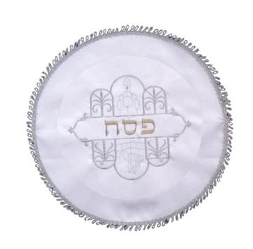 """תמונה של כיסוי מצה מסאטן עם ריקמה """"מגדל דוד"""""""