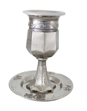 """תמונה של גביע קידוש ותחתית מניקל משובץ """"תפארת"""""""