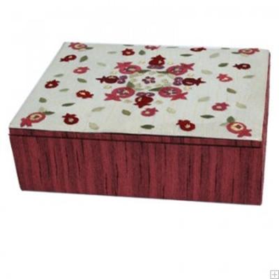 """תמונה של קופסת תכשיטים רקומה """"רימונים"""" (אדום) - יאיר עמנואל"""