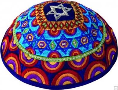 """תמונה של כיפה רקומה """"מגן דוד וקשתות"""" (צבעוני) - יאיר עמנואל"""