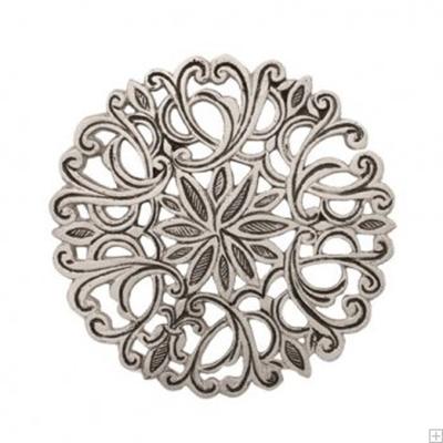 """תמונה של כלי הגשה עגול מאלומיניום """"פרחים"""" (כסף) - יאיר עמנואל"""