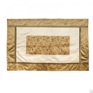"""תמונה של מפה לשולחן ממשי פראי עם ריקמה """"רימונים"""" (זהב) - יאיר עמנואל"""