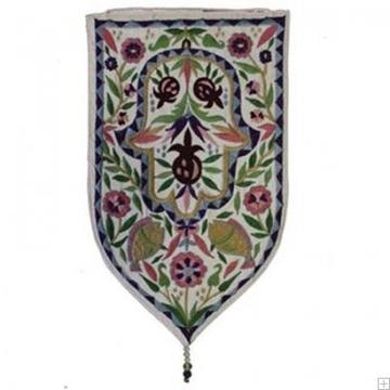"""תמונה של שטיח קיר מגן """"חמסה"""" (לבן) - יאיר עמנואל"""