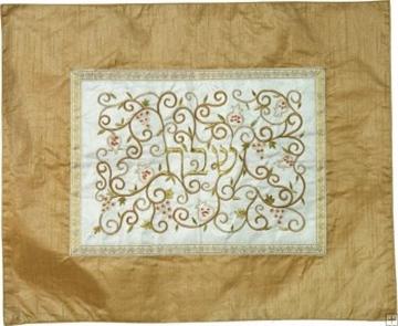 """תמונה של כיסוי חלה ממשי עם ריקמה """"רימונים"""" (זהב על לבן) - יאיר עמנואל"""