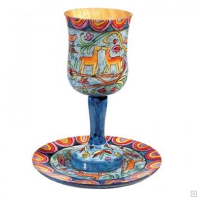 """תמונה של גביע קידוש מעץ עם תחתית """"אוריינטלי"""" - יאיר עמנואל"""