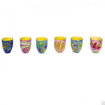 """תמונה של שישה גביעי קידוש קטנים מעץ """"שבעת המינים"""" - יאיר עמנואל"""
