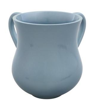 תמונה של כוס לנטילת ידיים מפלוריזין