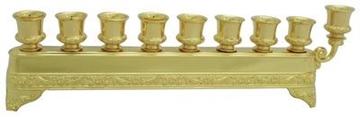 תמונה של חנוכיה מהודרת ממתכת מצופה זהב עם עיטורים
