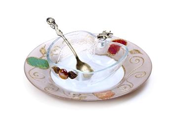 """תמונה של כלי לדבש בצורת תפוח עם צלוחית """"תפוחים"""" - לילי אומנות"""