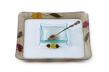 """תמונה של כלי לדבש עם מגש מרובע לתפוחים """"פרחים"""" (אדום) - לילי אומנות"""
