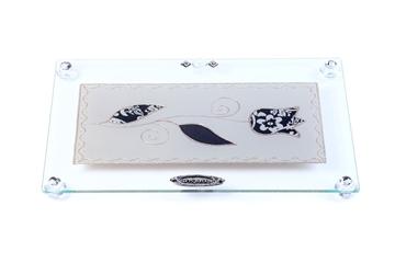"""תמונה של מגש מלבני לחלה עם רגליות """"פרח"""" (שחור) - לילי אומנות"""