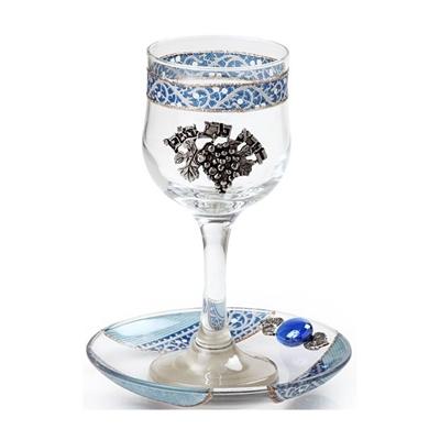 """תמונה של גביע קידוש מזכוכית """"גפן"""" (תכלת) - לילי אומנות"""