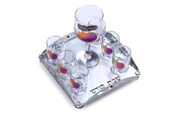 """תמונה של סט יין עם מגש לייזר וגביע """"רימונים"""" (צבעוני) - לילי אומנות"""