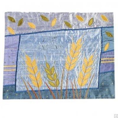"""תמונה של כיסוי חלה ממשי עם ריקמה """"חיטה"""" (כחול) - יאיר עמנואל"""