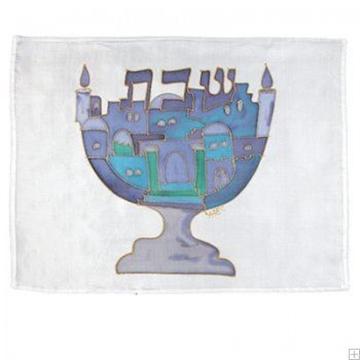 """תמונה של כיסוי חלה ממשי צבוע """"מנורת שבעת הקנים"""" (כחול) - יאיר עמנואל"""