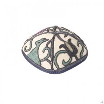 """תמונה של כיפה רקומה בעבודת יד """"ציפורים"""" (כחול) - יאיר עמנואל"""