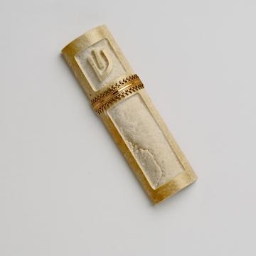 """תמונה של בית מזוזה מאבן ירושלמית """"טבעת"""" - קיסריה ארט"""