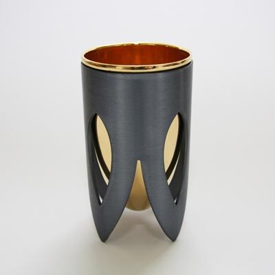תמונה של גביע קידוש מניקל וזהב 24 קראט (אפור וזהב) - קיסריה ארט