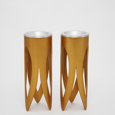 """תמונה של זוג פמוטים לשבת מניקל """"לוטוס"""" (זהב) - קיסריה ארט"""