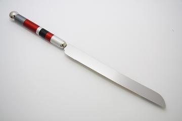 תמונה של סכין לחלה (אדום) - קיסריה ארט