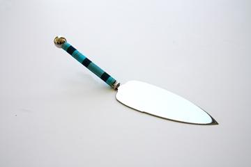 תמונה של כלי חיתוך לעוגה (כחול) - קיסריה ארט