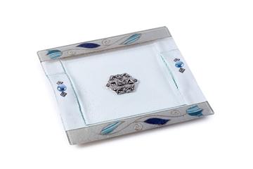 """תמונה של מגש מצות מזכוכית """"פרחים"""" (כחול) - לילי אומנות"""