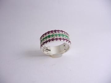 תמונה של טבעת כסף 3 שורות משובצת רובי ואמרלד